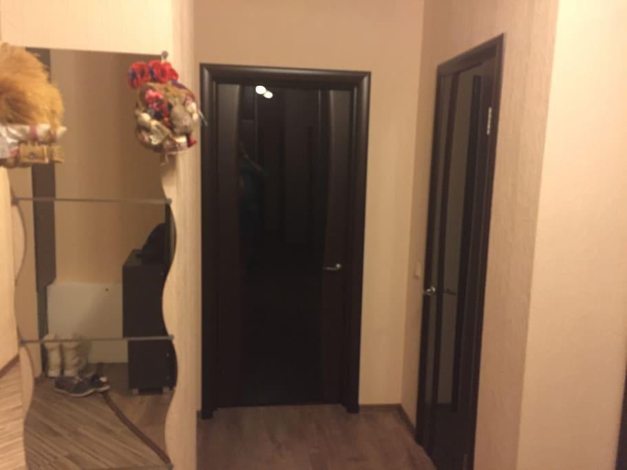 Дверь в Вашу спальню