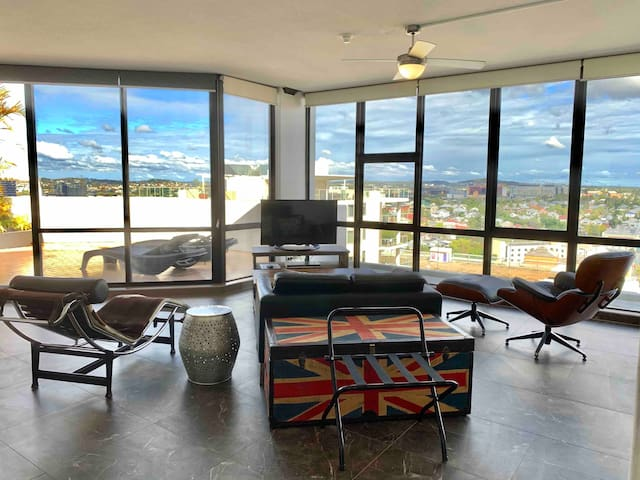 Penthouse studio, relax -your own rooftop balcony