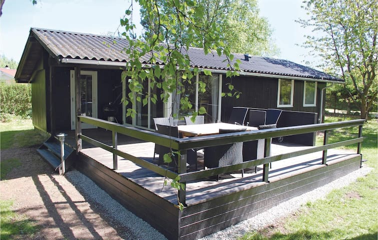 Holiday cottage with 3 bedrooms on 48 m²