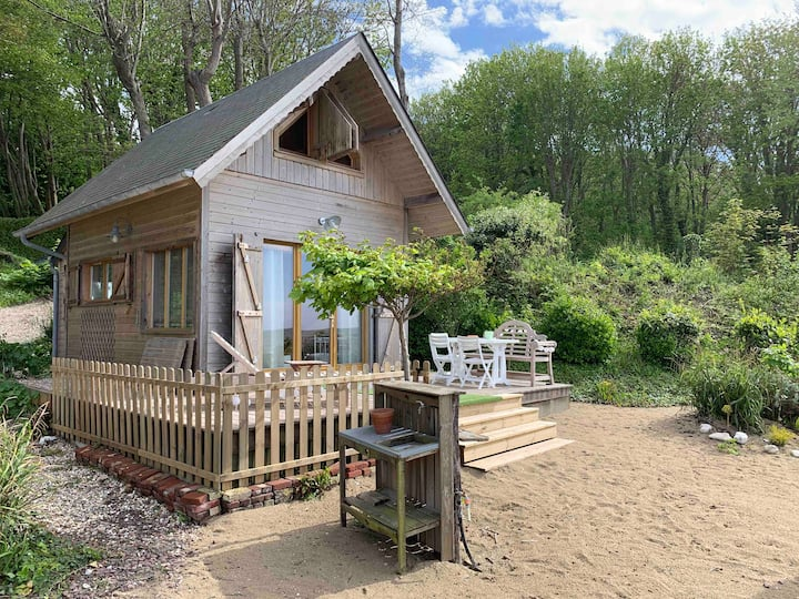 Chalet in the country side but in front of the sea