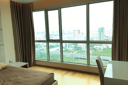 Luxury Apt.jacuzzi,pool,gym,mrt - Bangkok - Kondominium