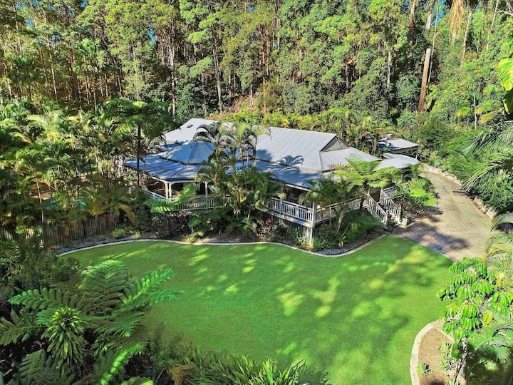 "Sunshine Coast Picturesque Retreat ""Serendipity"""