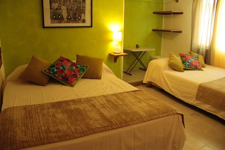 Casa Naranja, Downtown, Private Rooms 4/4