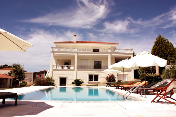 Villa Nea Politeia - Romantic &  Beautiful Sunsets