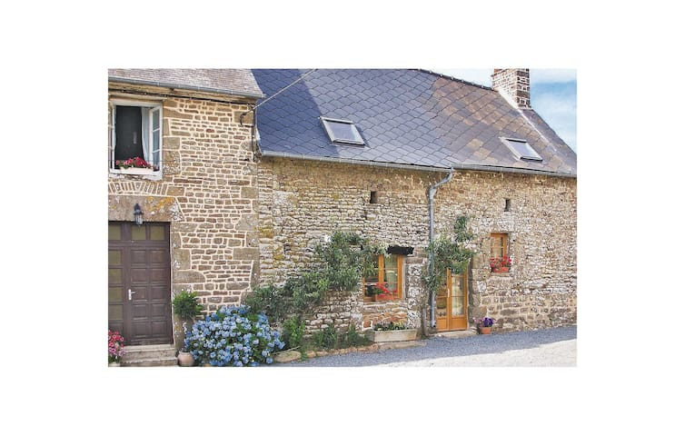 Semi-Detached with 3 bedrooms on 84m² in St. Simeon