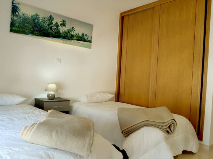 Twin/Double Room with Shared Bathroom - 4