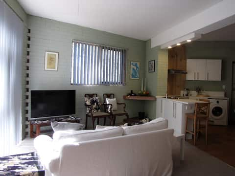 Spacious, secluded Montmorency apartment