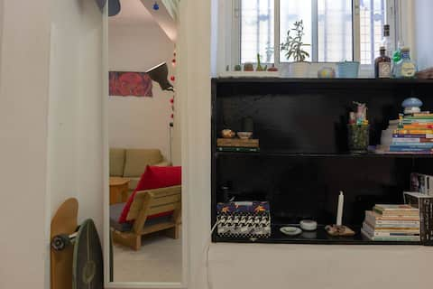 Studio Apt in the Heart of Tel-Aviv