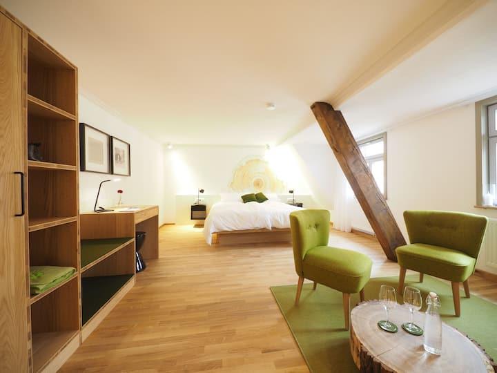Gasthaus Schwanen, (Nehren), 3 Dicke Eiche Zimmer, 31qm, 1 Schlafraum, max. 2 Personen