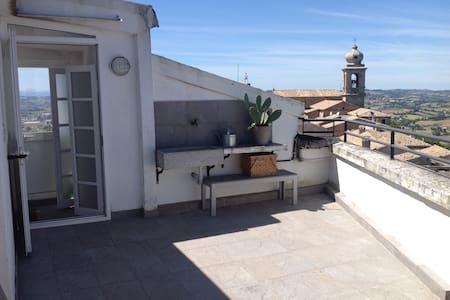 Casa su + livelli nel centro di Castelfidardo - Castelfidardo - Huis