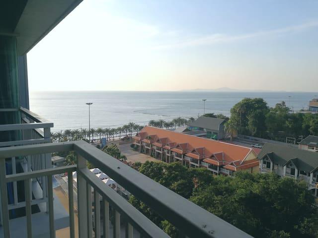 中天隆披尼一线海景两卧公寓(sea view 2br condo Lumpini Jomtien)
