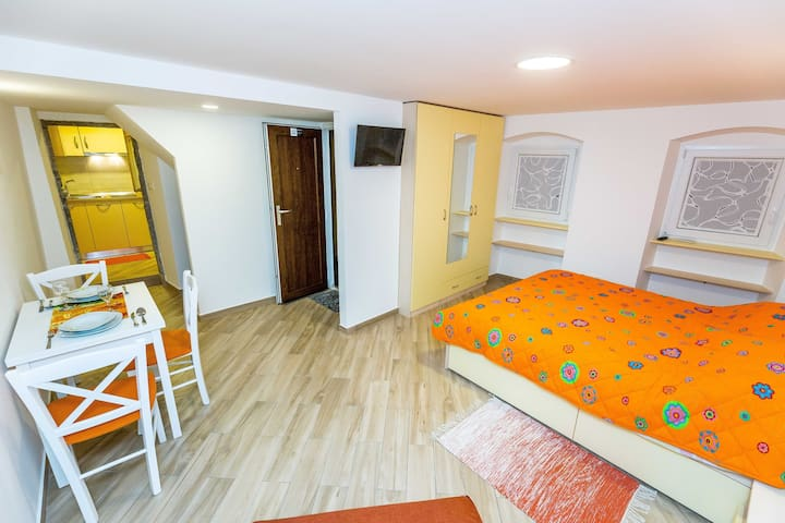 Studio Apartment Hana,Old Town,Lovran - Lovran - Pis
