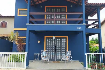 Casa grande com piscina em Araruama.