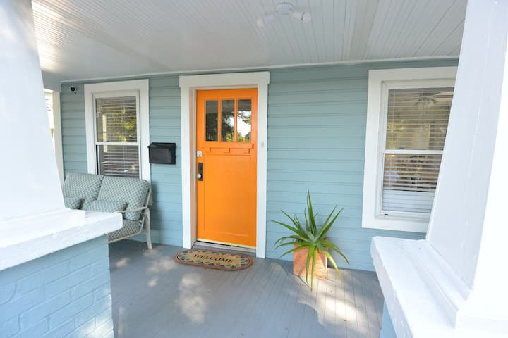 Beautiful updated bungalow in the heart of Tampa