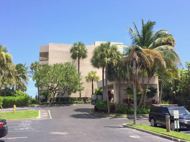 Oceanfront - Juno Beach, FL - Juno Beach - Apto. en complejo residencial