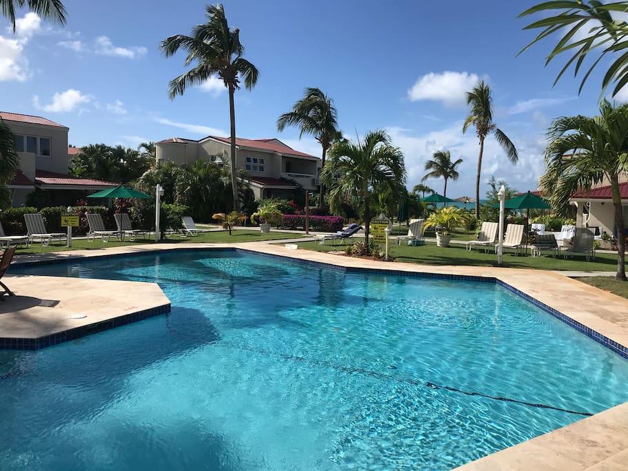 Beachside studio amongst tropical gardens apartamentos con servicios en alquiler en saint - Apartamentos tropical garden ...