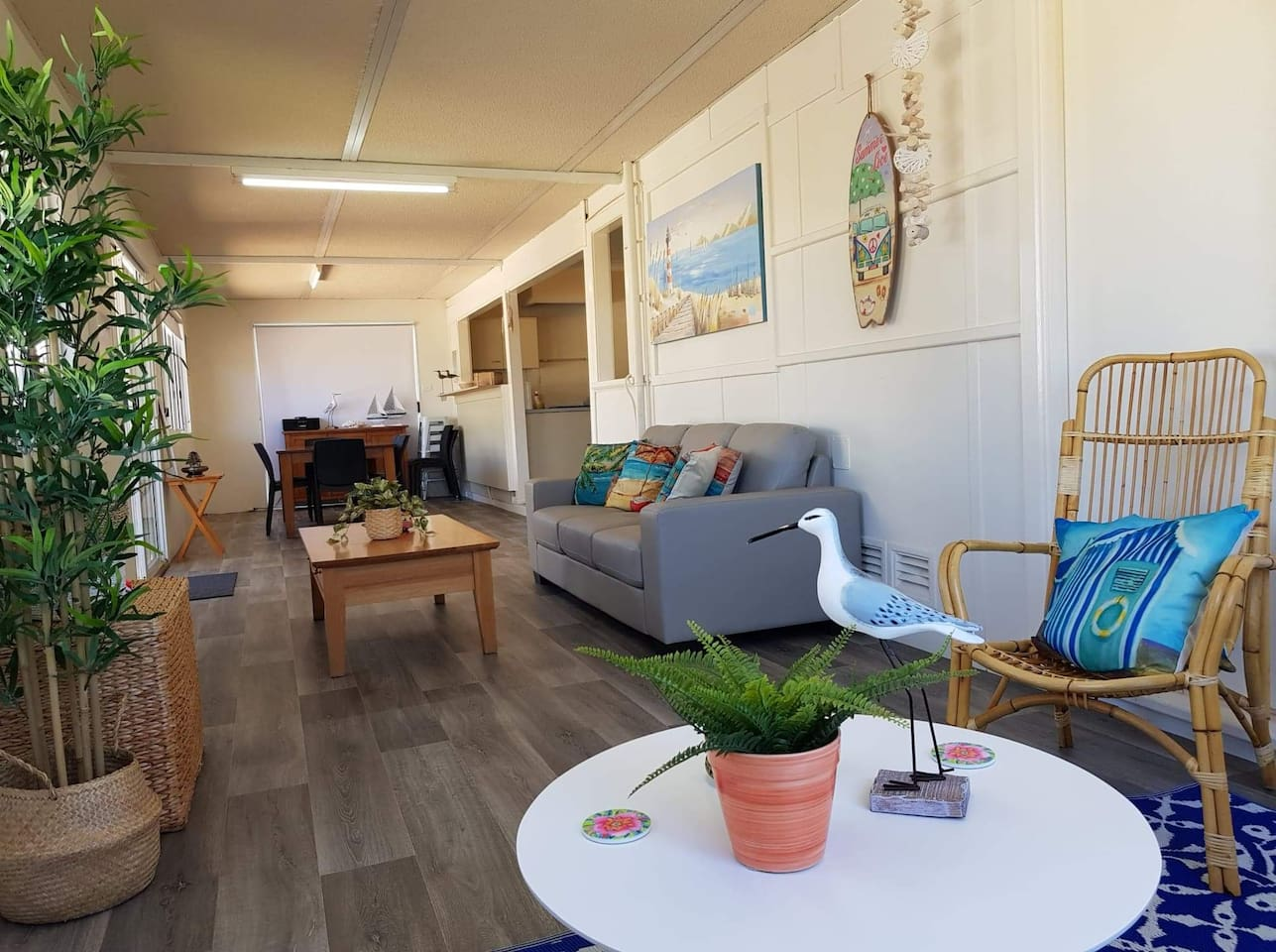 Beautiful beach house only 200 metres from the ocean.  Hear the waves crashing at night. Ledge Point is a small  coastal town with a very laid back feel about it. Easy place to relax and unwind.