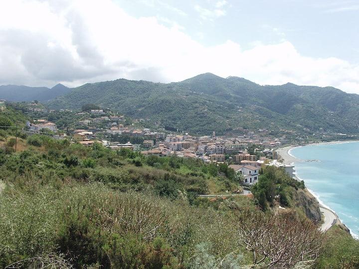 Relax in collina a due passi dal mare