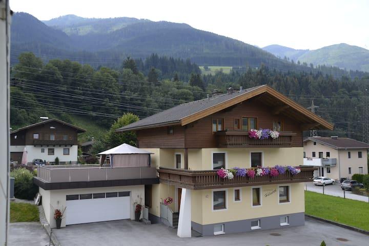 Ferienwohnung Höllwerth BiTi
