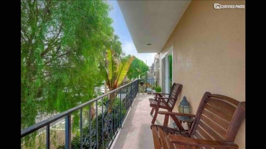 3Bd 2Ba Sanctuary w/ Private Balcony and Oceanview