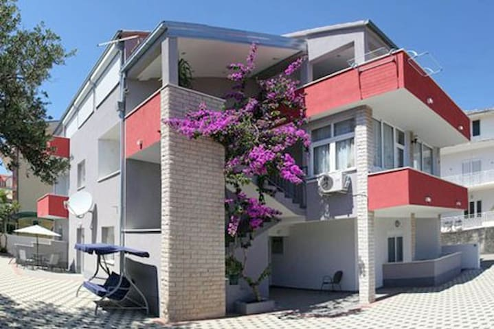 APARTMENTS   INES I DRAGICA
