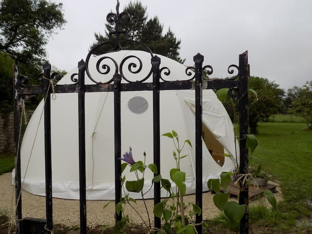 Le Wigwam de Phileas Fogg - Auxon - Bed & Breakfast