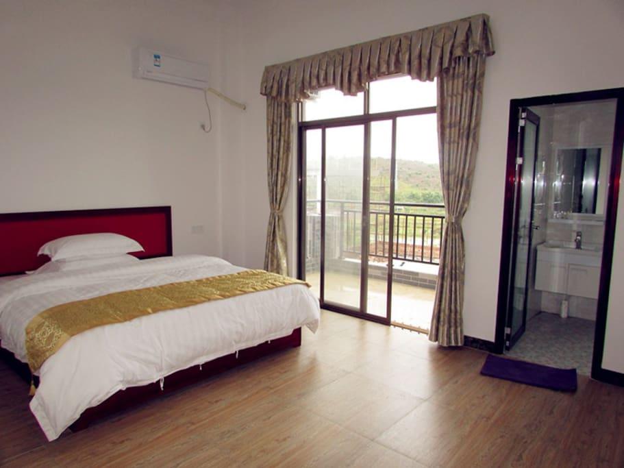 豪华舒适大床,带阳台。