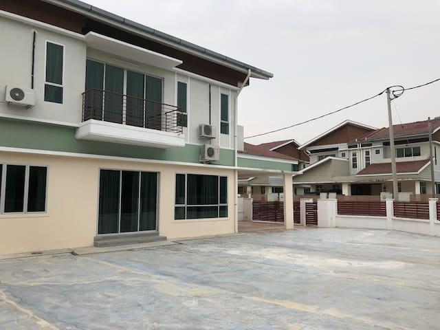 Ipoh Homestay Gated & Guarded  AEON BIG FALIM Ipoh