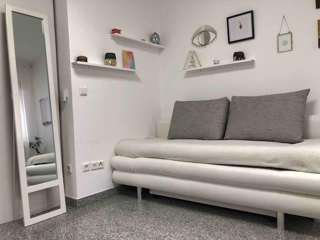 Neues schönes Studio, zentral & direkt an der Rems