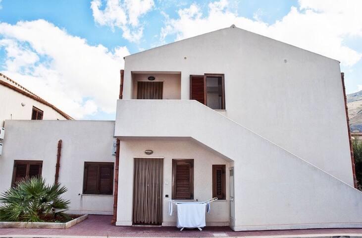 Vacation Home: Pizzo Cofano Residence
