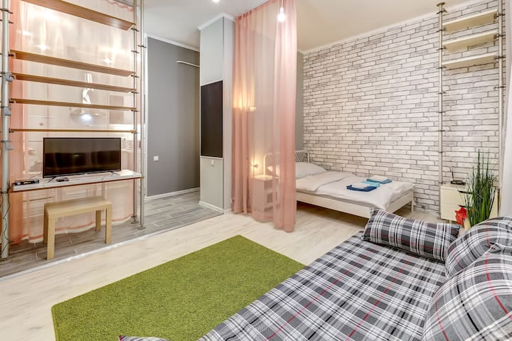Victoria Apartments on Marata 36.