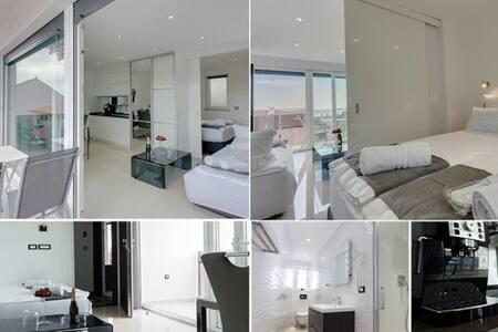 Apartment 5  Villa Christina (Crikvenica, Croatia) - Cirquenizza - Appartamento