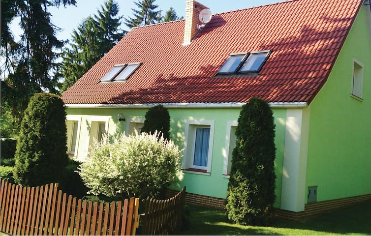 Holiday cottage with 3 bedrooms on 150m² in Silnowo