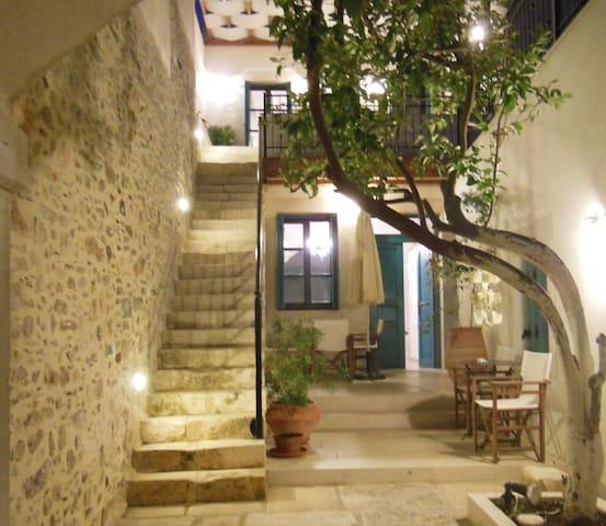 AVGERINOS apt @Villa Aposperitis
