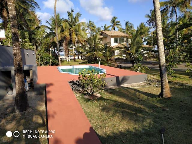 Casa com piscina a beira mar em Ilhéus - Ba