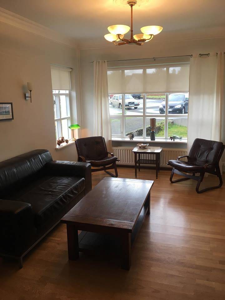 The apartment is on two floors, it has two bathrooms, a shower and a bathtub, three bedrooms, fully equipped kitchen, a  living room with TV
