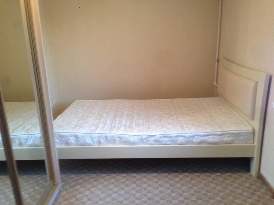 Спальня. Двуспальная кровать
