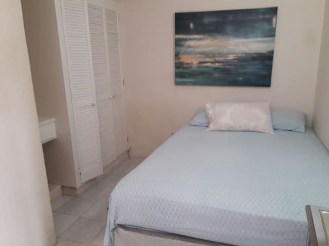 Dover Beach apartment #2