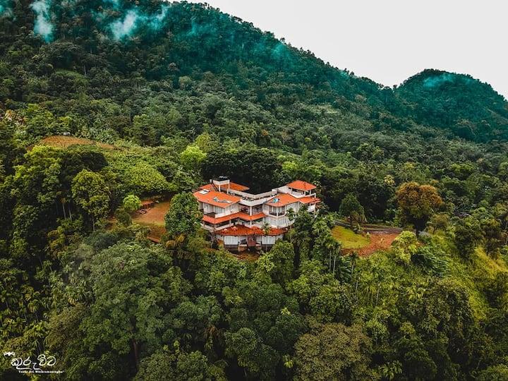 Omega Residence . Mountain View Villa Kuruwita