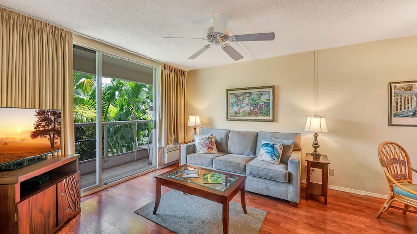 1 Bed/2 Bath Garden View Paradise w/ AC, & WiFi