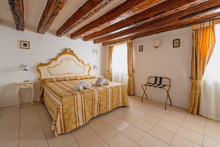 Venice Castello/ cozy and central flat