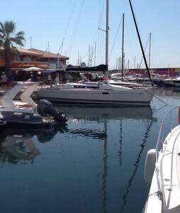 Dormir dans le port de Cannes - Saint-Raphaël