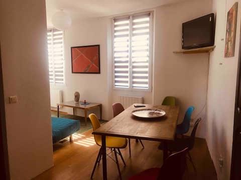 Rummelig lejlighed i lille provencalsk landsby