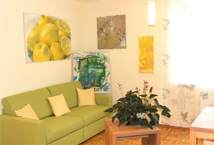 Künstlerwohnung Lemon  nahe Riegersburg & Thermen