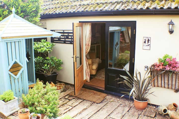 Quavers Rest - a totally self contained unit.