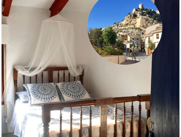 Romantic Doble Room with terrace in Castalla  !