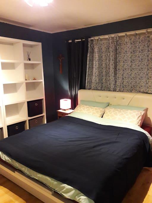 Bed room_Queen bed