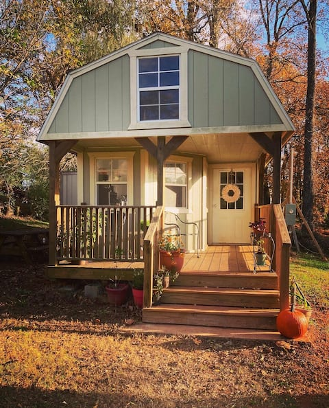 Tiny House by Small Farm, Convenient to Everything