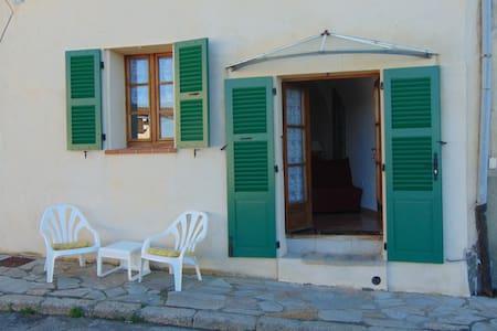 studio entre mer et montagne - Belgodère - Ház