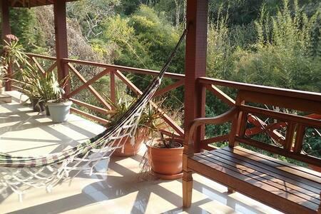 Casa das Hortênsias: conforto,charme e praticidade - Santo Antônio do Pinhal